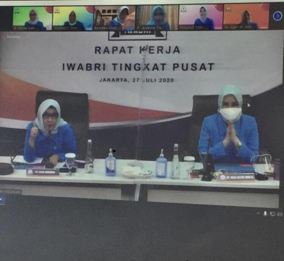 Ketua dan Wakil Ketua IWABRI Tingkat Wilayah Banda Aceh Mengikuti Rapat Kerja Yang Di Adakan Iwabri Tingkat Pusat